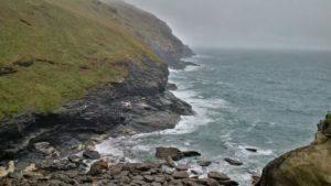 Rauhe Küste in Cornwall